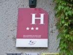 À quoi correspondent les étoiles affichées par les hôtels en France ?